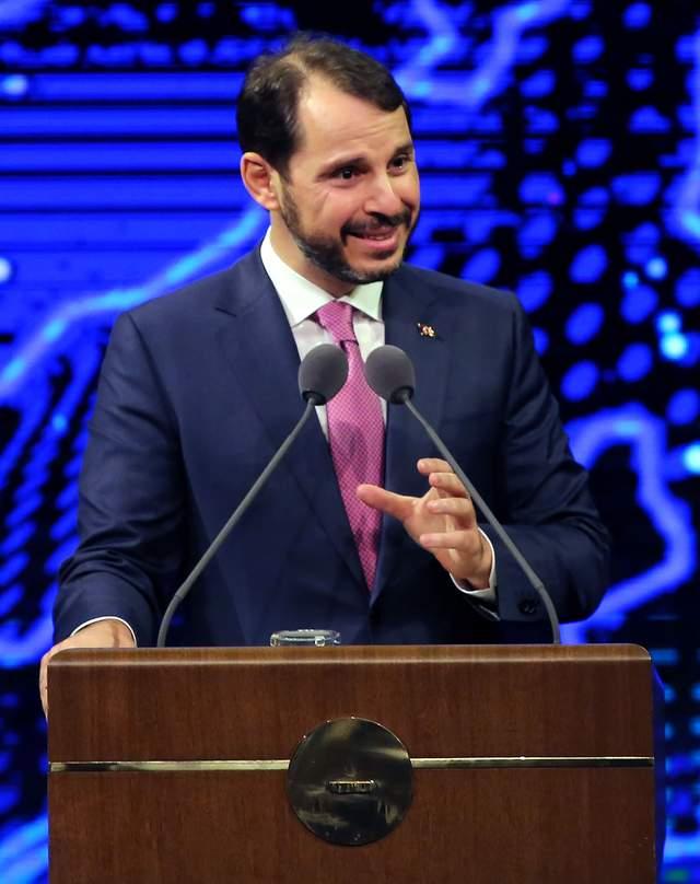 货币贬值太狠!继总统撤掉央行行长后,土耳其财政部长主动辞职了