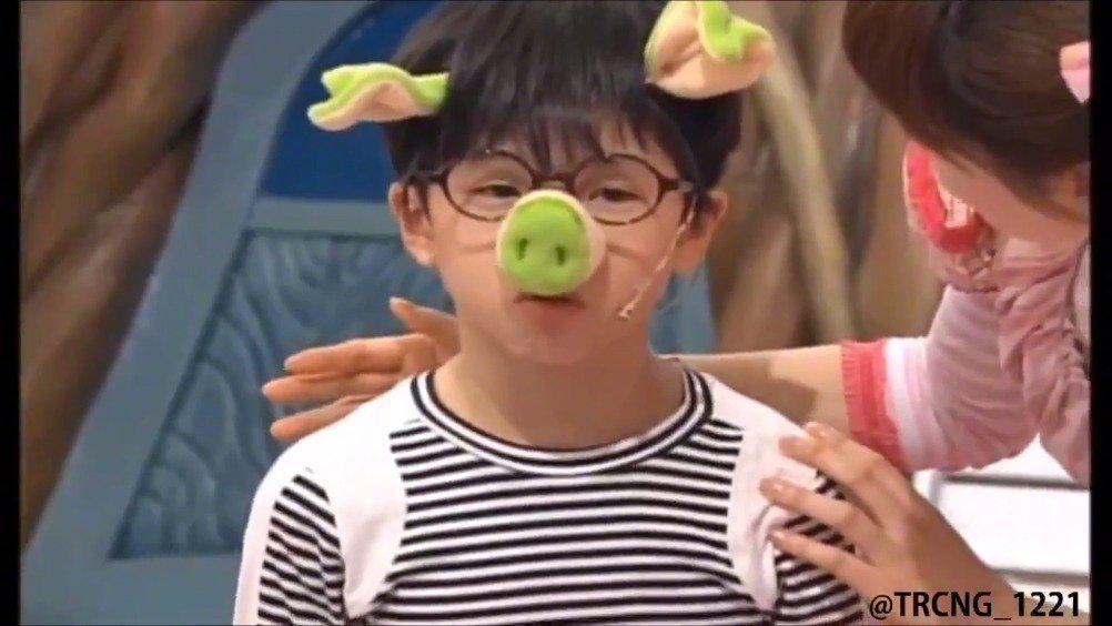 小时候在儿童节目里演的可爱猪猪!哈哈哈哈太可爱啦!!!