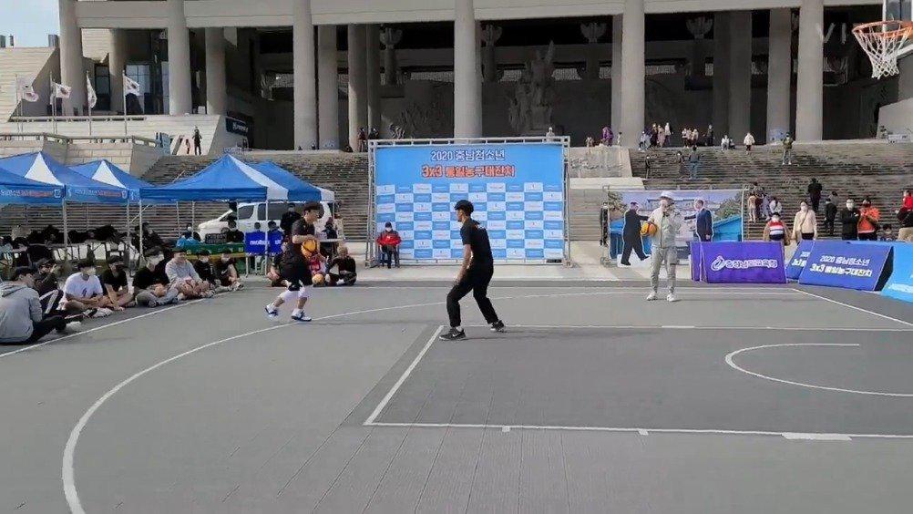 韩国专业篮球运动员单挑集锦!天下武功唯快不破!……