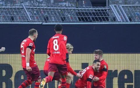 伟大的1-2!德甲八冠王被掀翻爆出冷门,保级队斩获赛季首胜