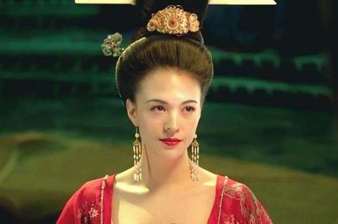 """从最美杨贵妃到颜值""""崩塌"""",张榕容年仅33岁,究竟经历了啥?"""