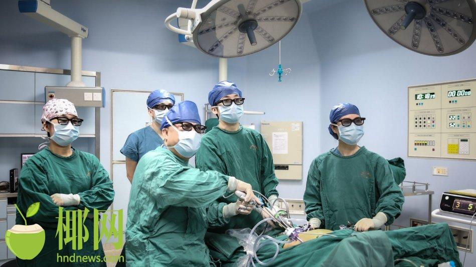 琼粤专家同期献技 提升海南胃癌微创手术水准
