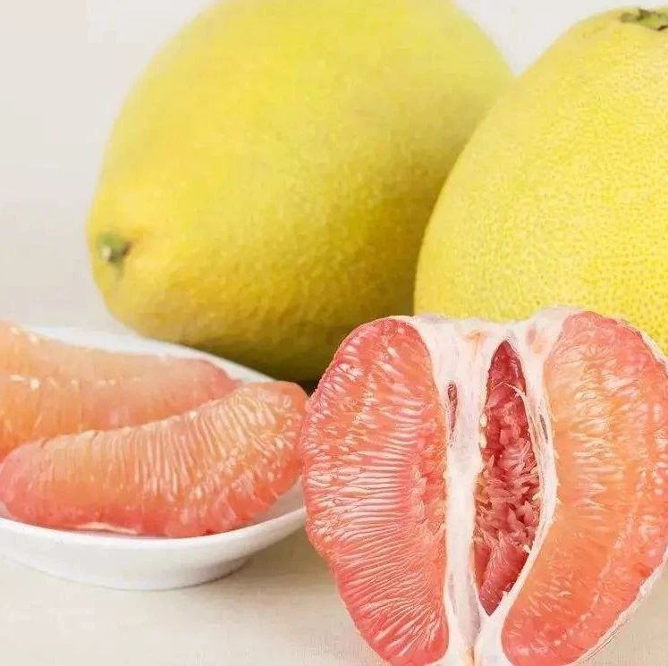 """【热点】男子连吃7天柚子后""""肌肉溶解""""!这种致命错误,你可能也在犯"""