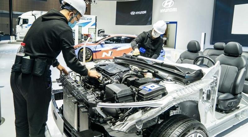 一家意大利车企首次向中国市场展示的无人驾驶底盘,透露智慧出行新技术