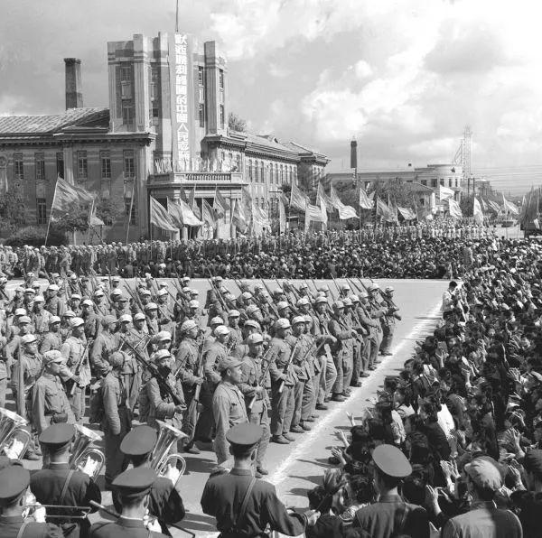 美国前总统:世界上没有任何军队足以击退中国人