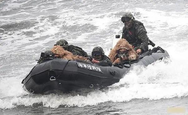 这时候,美军赴台重启演训图片
