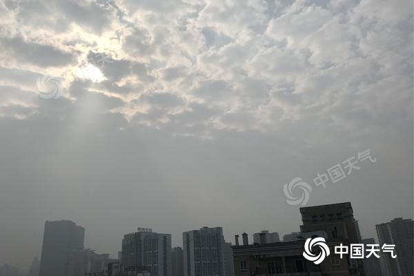 重庆维持晴暖模式 明后天早晨坪坝河谷地区将出现雾