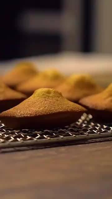 象征回忆的贝壳甜点🍮,甜滋滋的超好吃 ( 咔嚓小王子)