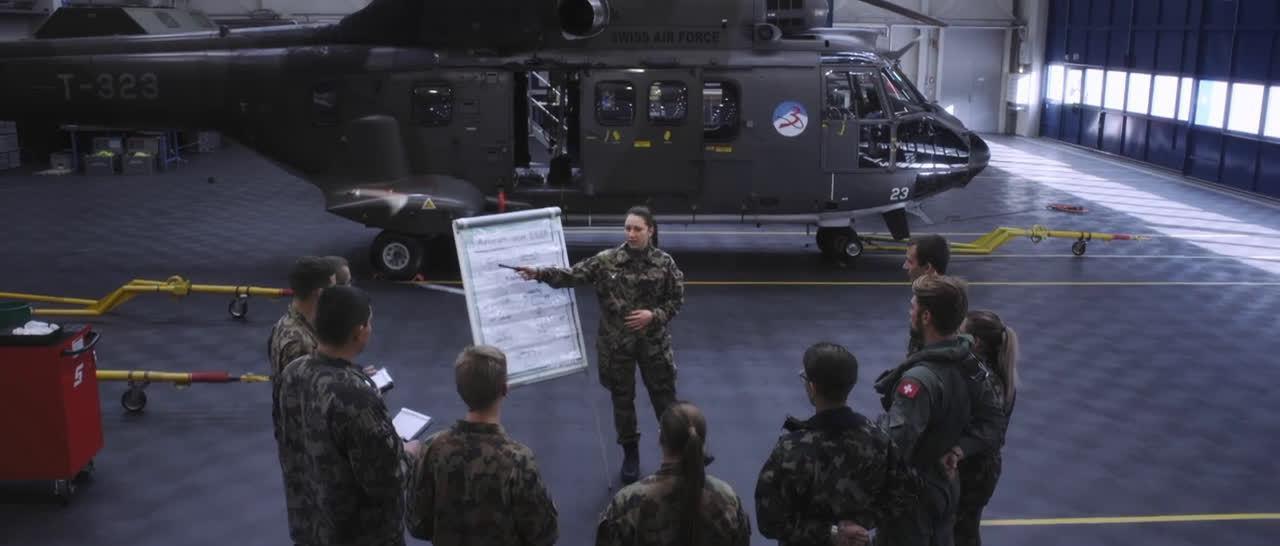 11月瑞士国防军宣传片《安全也很重要》……