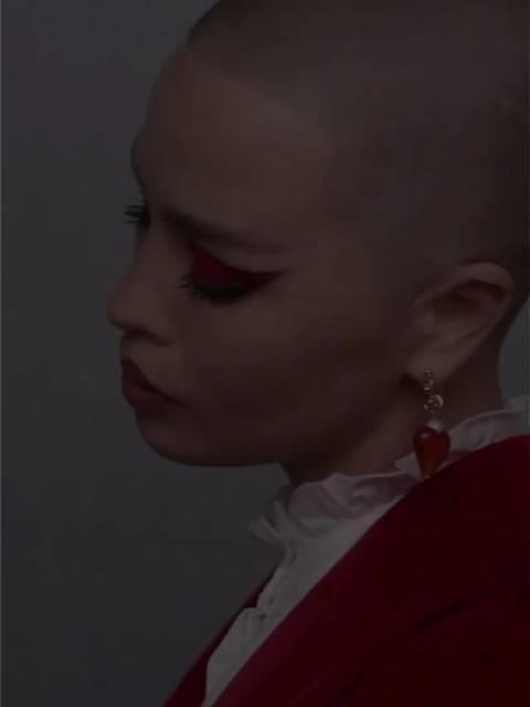 适合T台的红色系妆容……