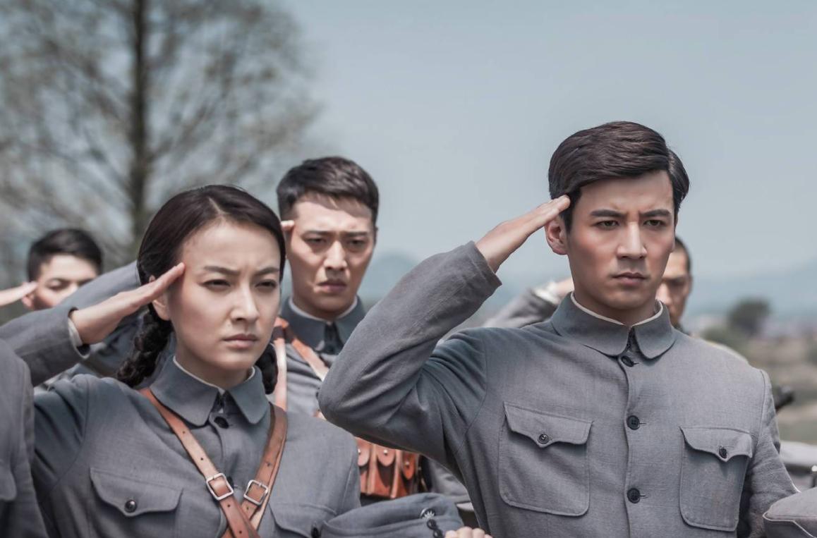 《雷霆战将》被停播,看完导演代表作,网友担心起了杨幂!