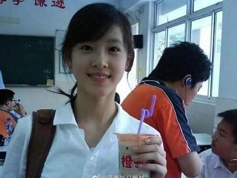 老挝版奶茶妹妹走红,清丽脱俗颜值太完美,网友:比奶茶还要美