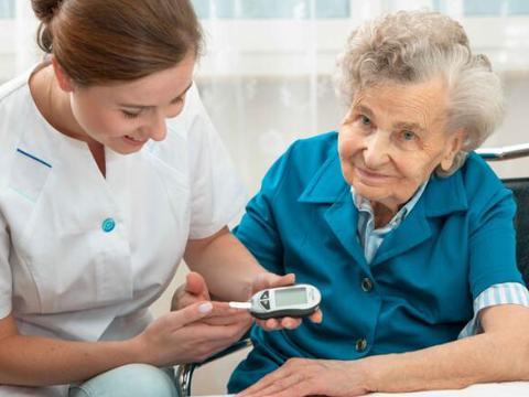 糖尿病患者,身体出现这5个表现,代表血糖升高,警惕神经病变