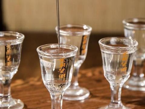 """低度酒,年份酒和原浆酒的""""骗局"""",网友:我被忽悠了10几年"""