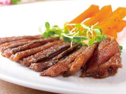 美食推荐:黑椒牛柳,三丝小凉拌,五香带鱼,干锅小黄鱼