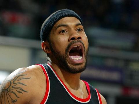 犯规就犯奇葩的?NBA历史五大技犯王,罗德曼佩顿上榜