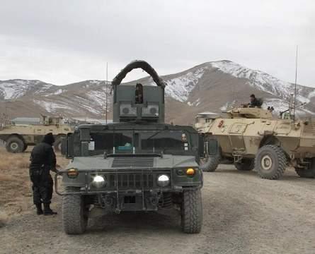 阿富汗境内爆发激烈交火!汽车炸弹直冲基地,美军无视直接离开