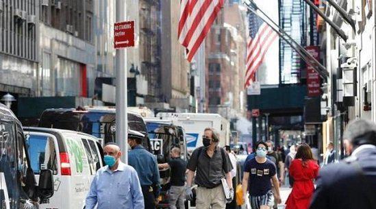 美国新增逾15万例确诊 纽约及加州或收紧防疫措施