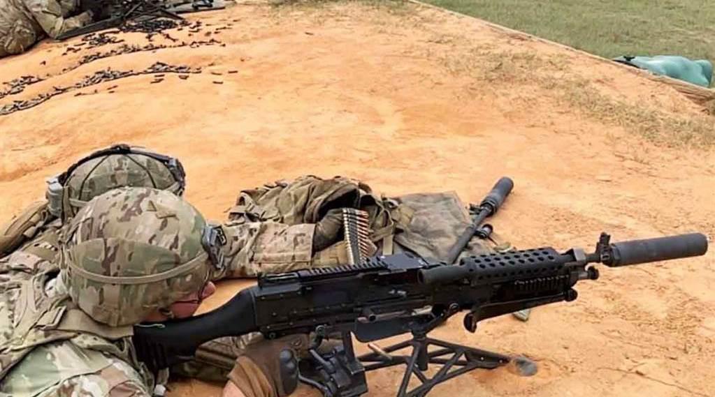 美军M240机枪新装消音器获射手好评!