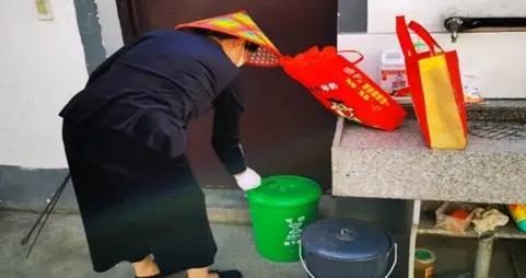 """绍兴柯桥:破解""""垃圾围村""""难题 打造""""风光岭下""""金名片"""