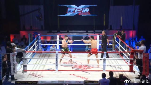 内蒙古摔跤王一拳乱拳KO对手,裁判怕出事一把将他推开