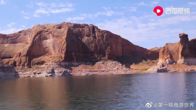 鲍威尔湖-美国第二大人工湖,由于体积巨大,蓄水17年才将湖添满
