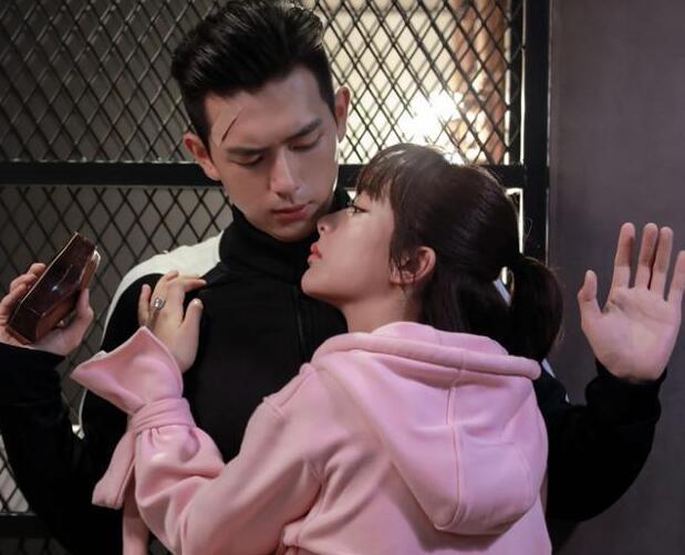 李现曾拒演《亲爱的》,因杨紫句话乖乖出演,网友:感谢杨