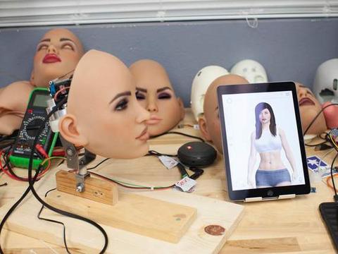 """在革命性的升级之后,伴侣机器人将""""从根本上改变人类的存在"""""""