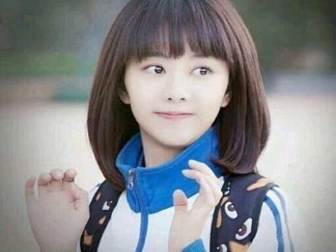 """谭松韵是童颜女神没错,看到吴宣仪的校服照,绝对是""""初恋女神"""""""