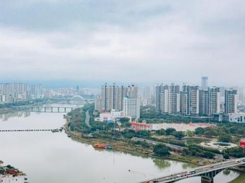 """江西一县将""""飞上枝头"""",被5亿机场砸中,未来有望""""撤县设市"""""""