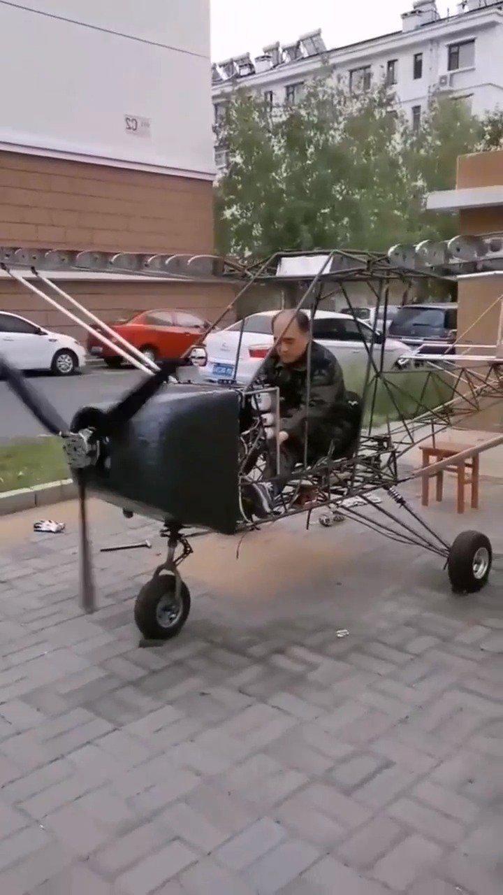 农民大叔自制固定翼飞机,试飞成功,准备申请专利!