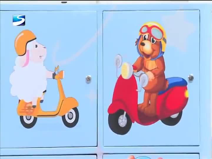 """全市首个警校合作""""共享头盔箱""""在松江区方塔小学亮相"""
