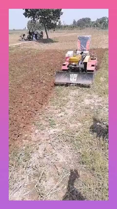 农村的微耕机,别看体积这么的小,但是性能绝对没得说!
