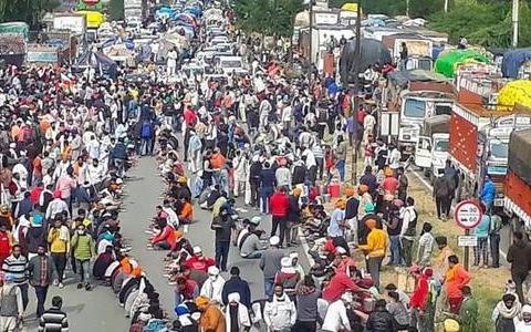 发生了什么大事?印度百万农民涌入首都,军警紧急出动保卫莫迪