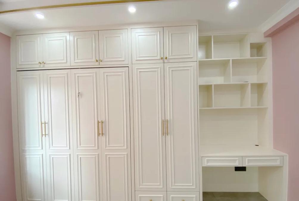 硬装砸了20万的新房,金属线条做装饰轻奢有质感,最爱隐形床设计