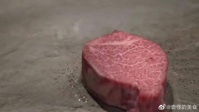 东京铁板烧宫崎牛肉,牛肉美味,看师傅烹饪也是一种享受