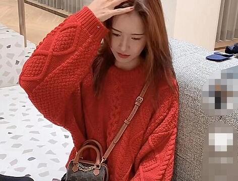 """张子萱晒视频称陈赫""""我老公"""",秀四千元拖鞋,意外暴露婆媳关系"""
