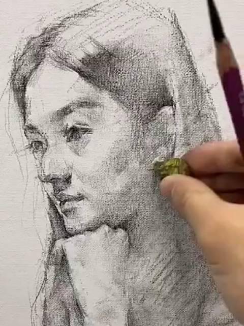 女性素描肖像示范 | 小张老师 .