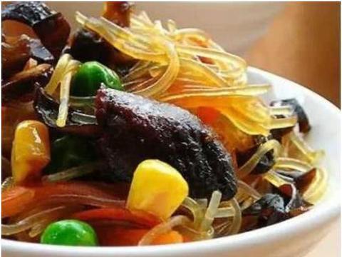 美食精选:蒜油拌茄子、拌牛肚、酥肉炖冬瓜、五色健康粉丝