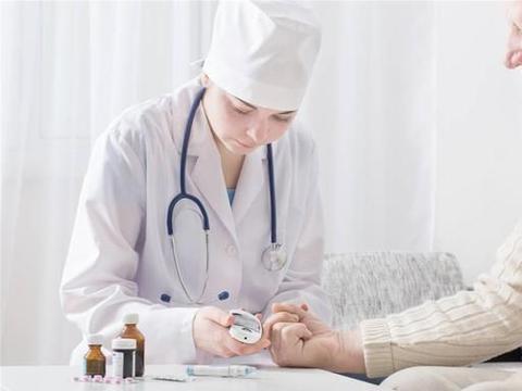 老人血糖变高,需要吃降糖药吗?提醒:降血糖,把握好这5个细节