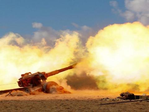 击沉航母难度有多大?用一万枚炮弹轰炸,能把航母战斗群摧毁吗?