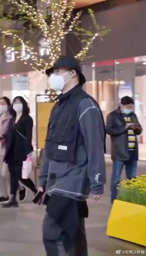 成都街拍日常穿搭集合:型男穿搭!真的是很不同的感觉啊!……
