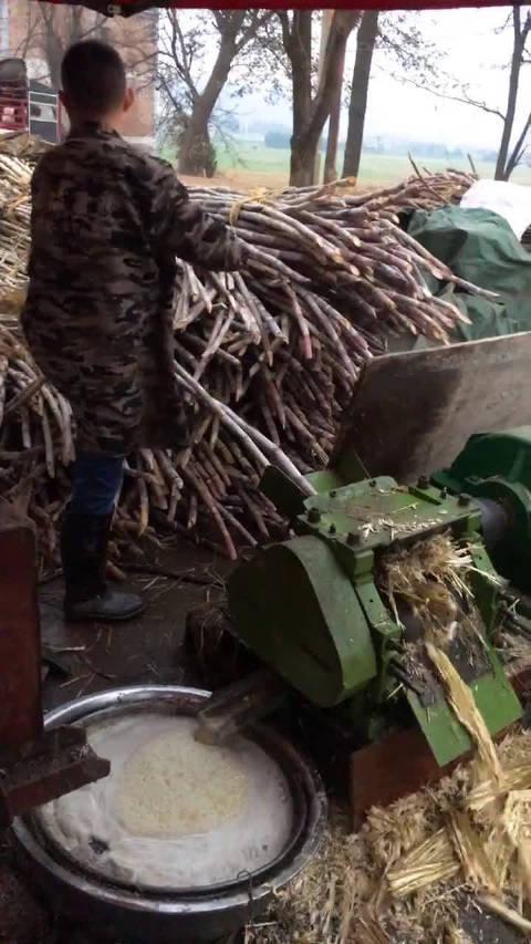 传统甘蔗熬糖法
