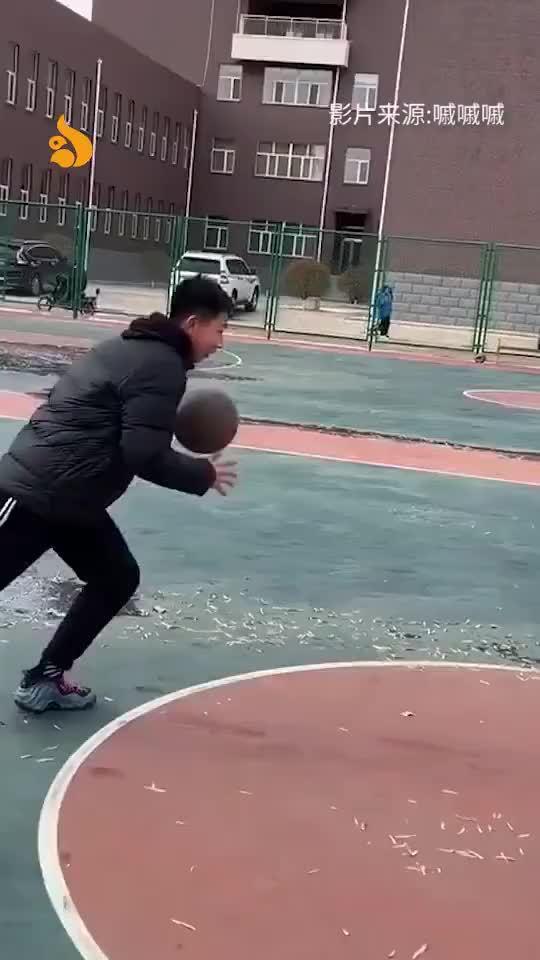 冬天在北方打篮球是什么体验?自动走位了解下