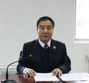 咸阳中院冯华院长依法开庭审理一起故意杀人案