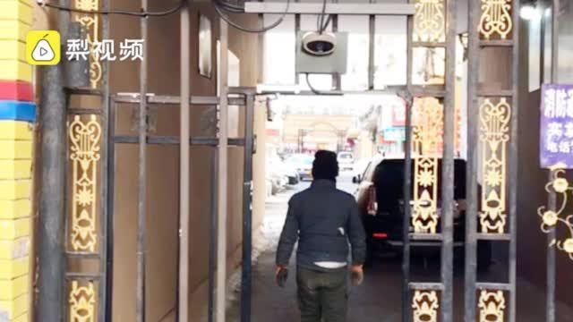 哈尔滨一小区门上安人脸识别,街道办:尚未投用,通电是为防盗