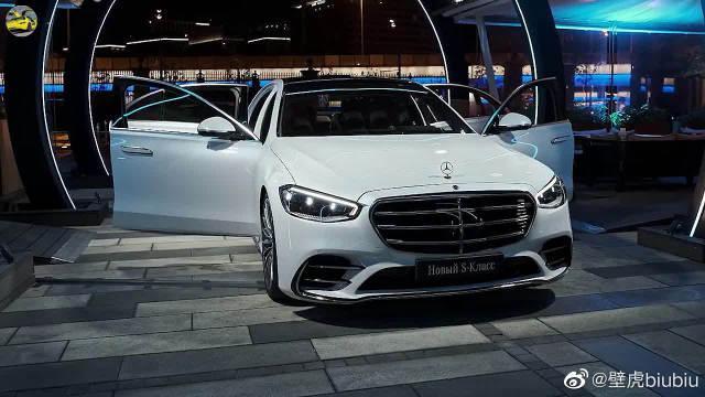 2021款奔驰S500,内饰科技感爆棚,太帅气了!