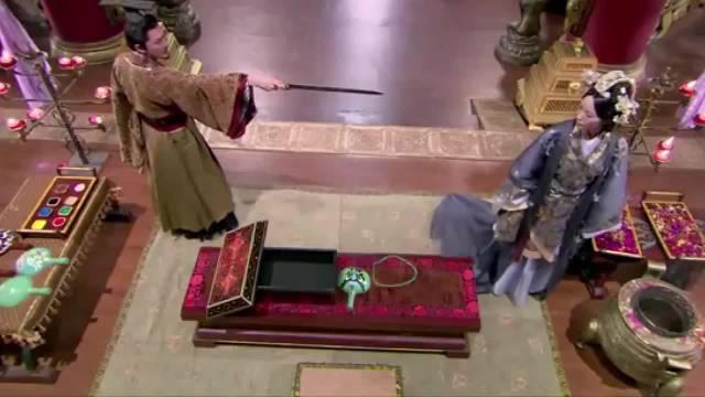 皇上杀死皇后,奸人立马显出原形,没想到皇后突然走出来