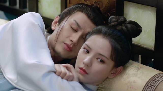 《梦醒长安》侍寝花絮好甜,李炎对程若鱼说:难不成,你以为我真要你来睡觉的?