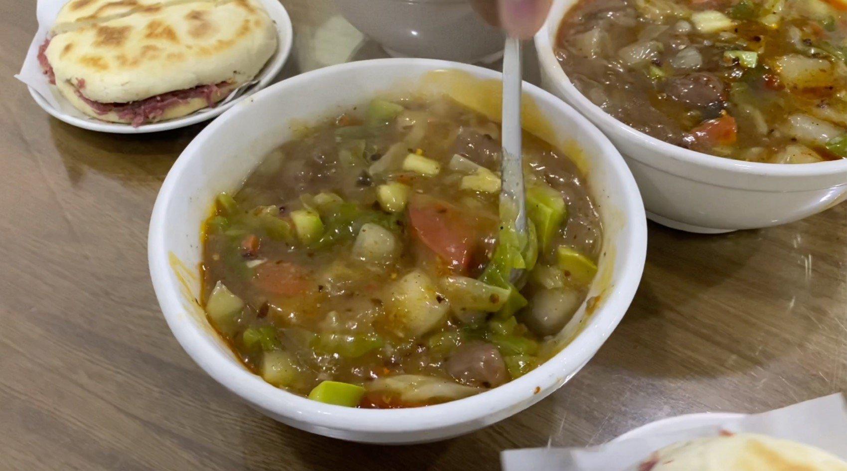 """西安美食,从一碗胡辣汤开始:21块钱的早餐""""撑破""""了肚子……"""